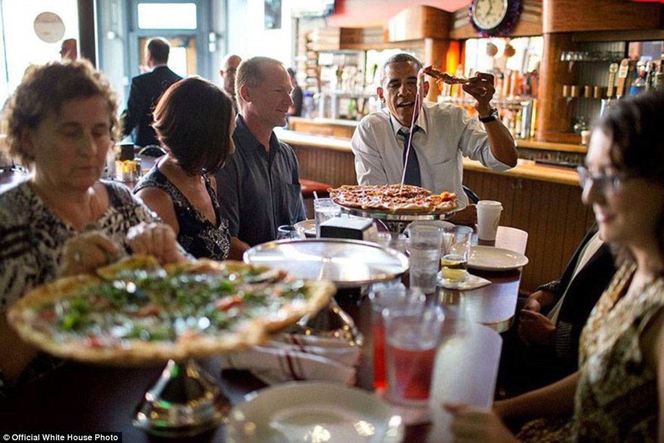 Obama Shares A Pizza