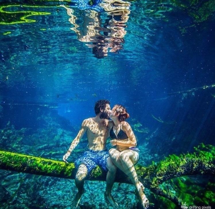 Romance Under The sea.