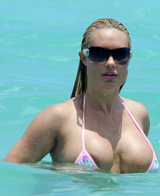 celebrities in Outrageous Bikinis