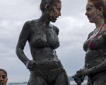 mud street party