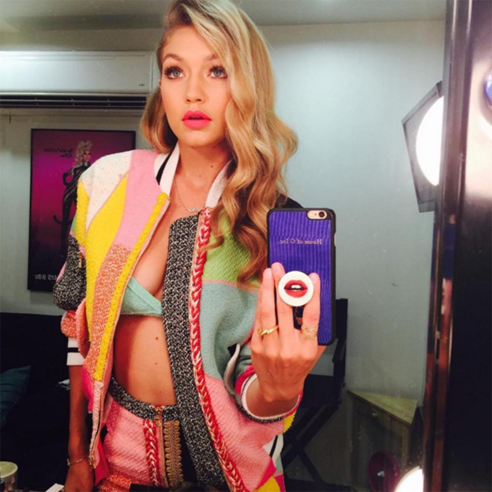 Gigi Hadid- Perfect Selfie