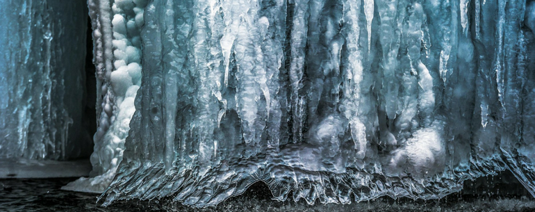 Breathtaking Photos Capture Croatia's Unearthly Winter Landscape When The Waterfalls Freeze