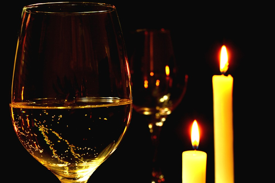 Candlelight dinner-dating advice