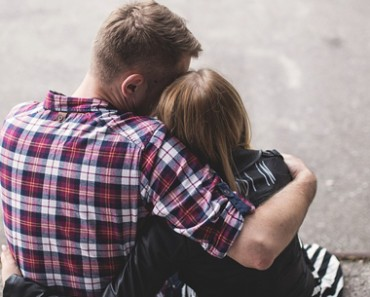Differentiate Between Love And Infatuation-Feature Image