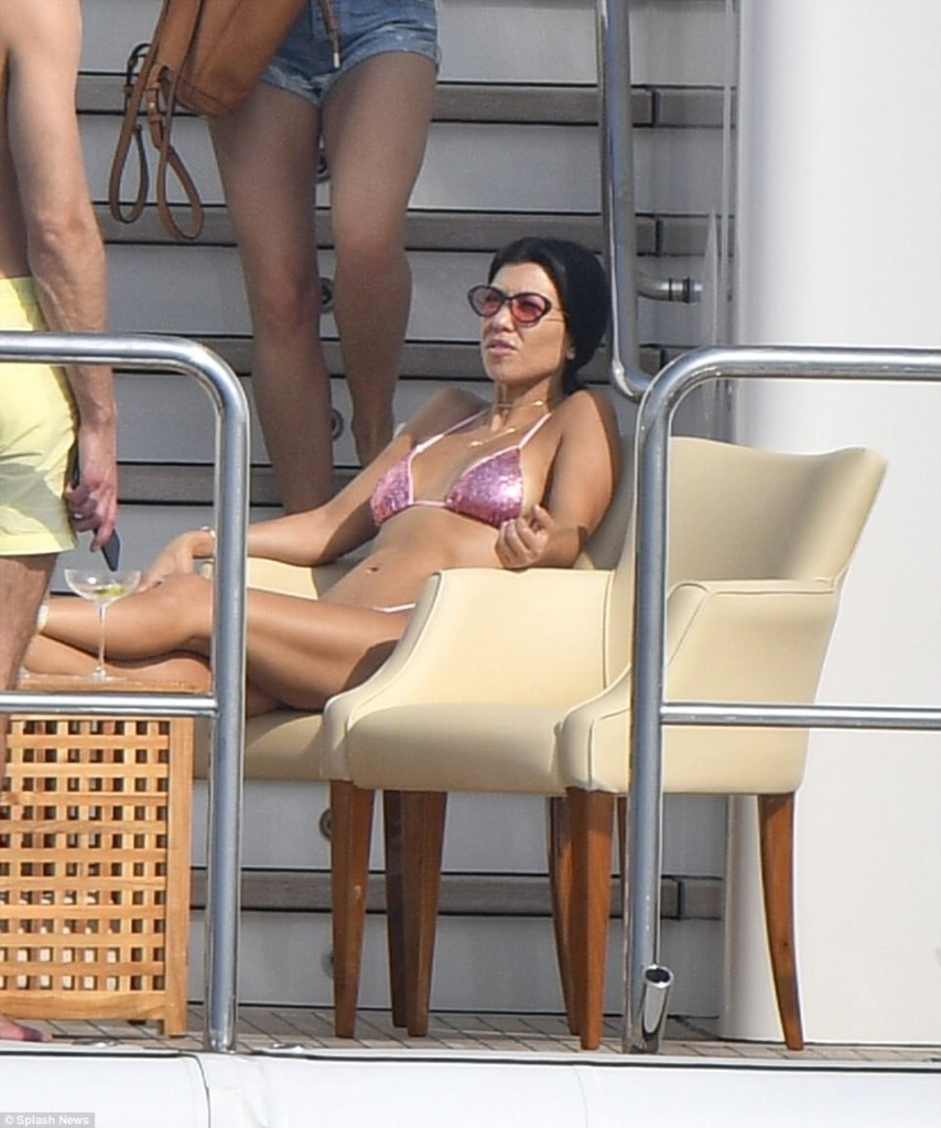 30 Photos Of Kourtney Kardashian's In Tiny  Bikini