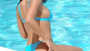 Celebrities in bikinis - Kady McDermott