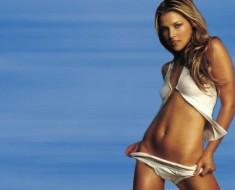 Ali Larter in bikini