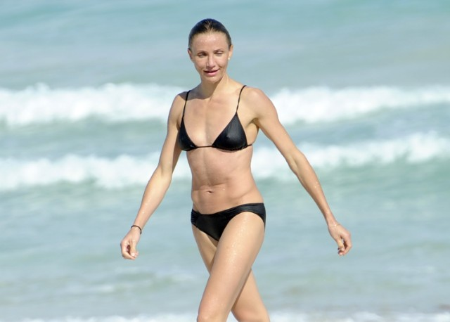 Cameron Diaz Looks Half Her Age In Tiny Bikini
