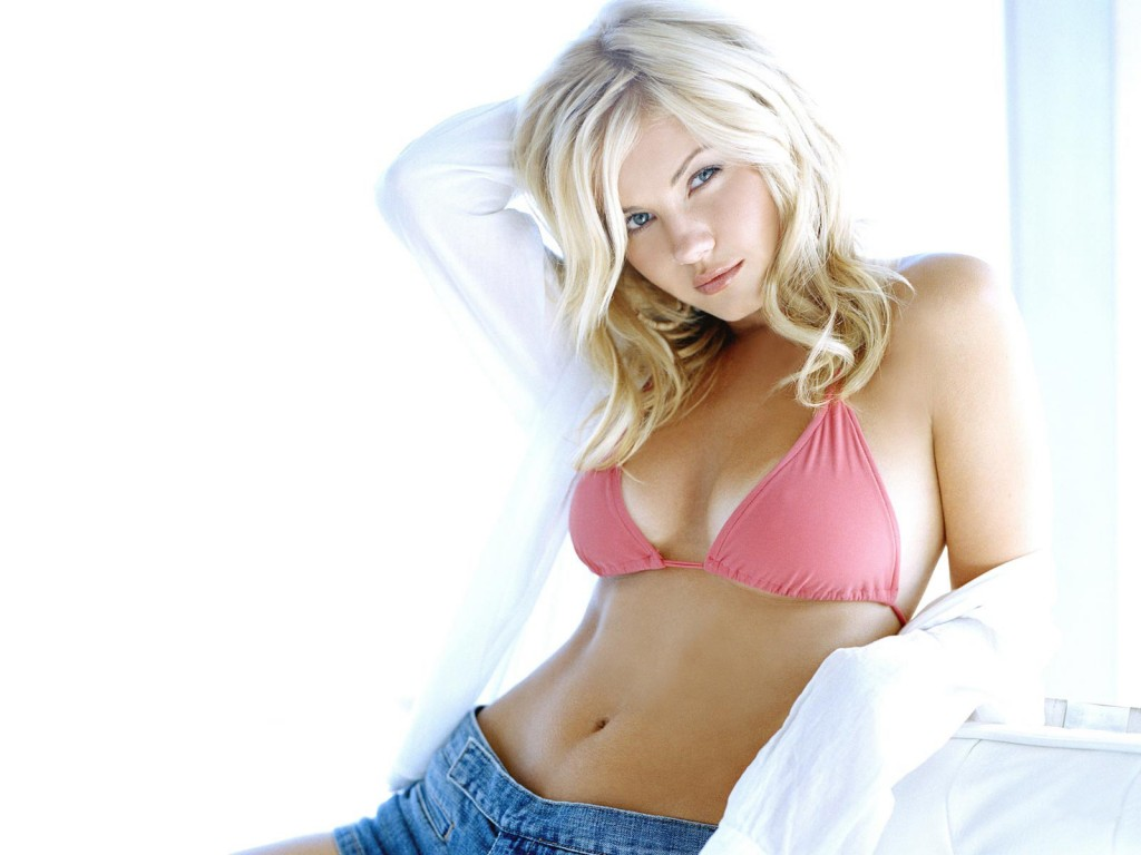 17 Best Elisha Cuthbert Hot And Sexy Images Of All Time