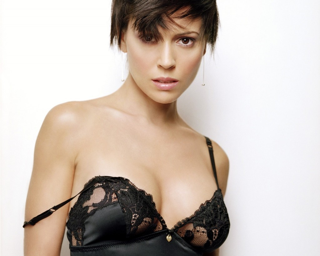 Images Of Alyssa Milano Who Is One Of The Hottest Women