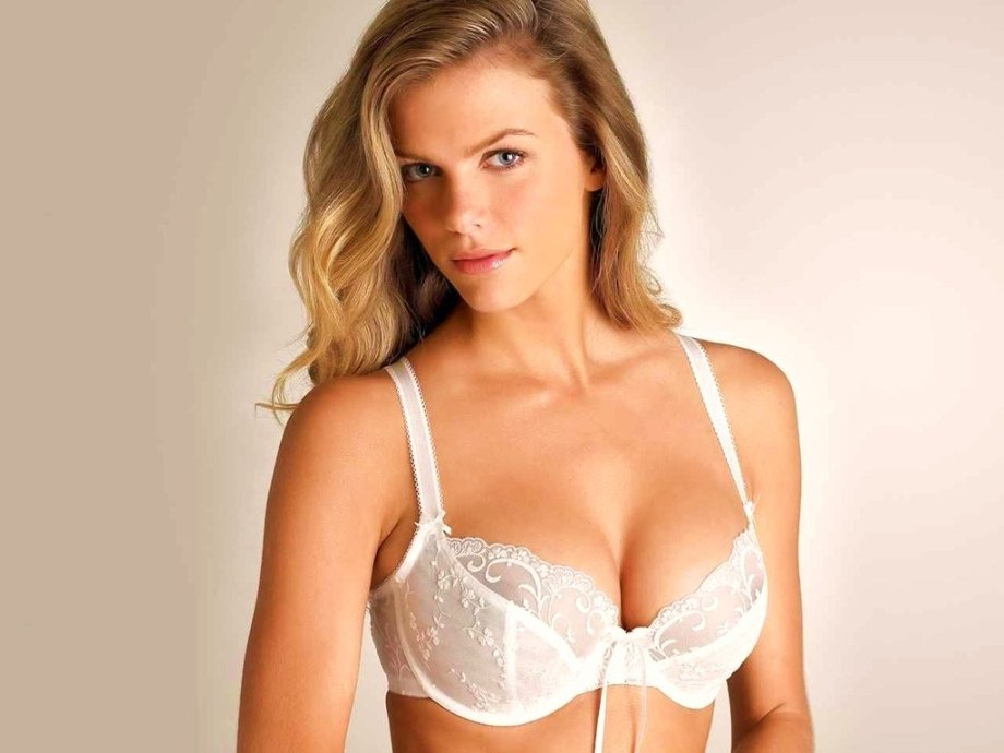 Brooklyn Decker  Is One Of The Most Sexiest Women In The World