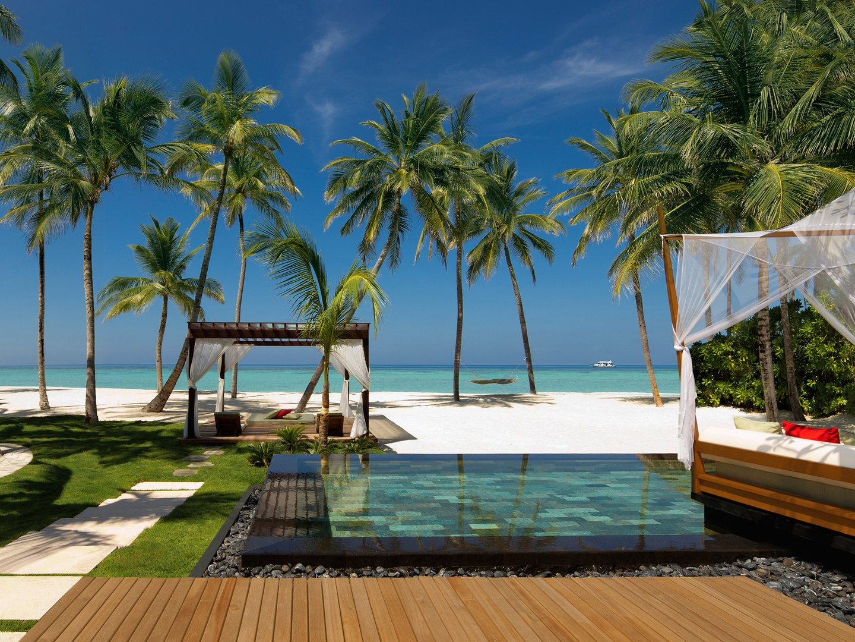 Beach-One&OnlyReethiRah-Maldives-CRHotel