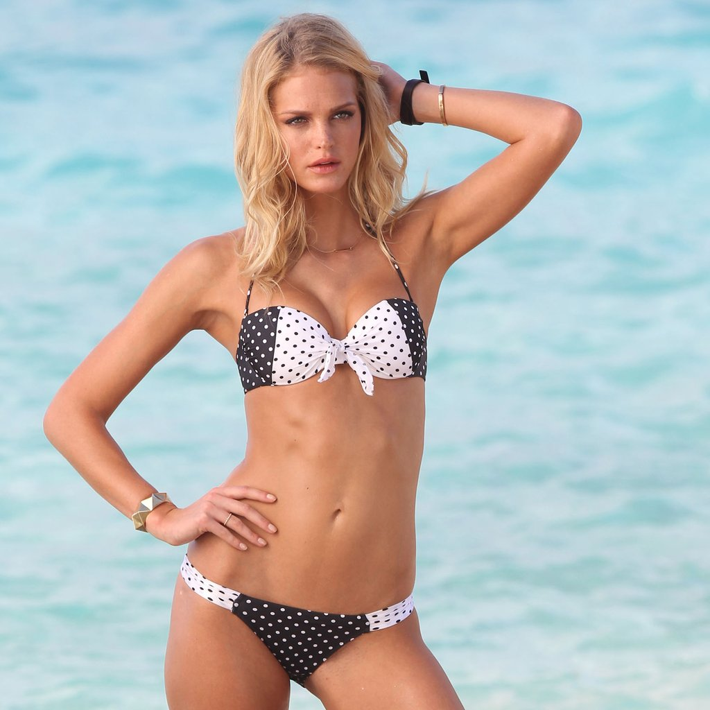Model Erin Heatherton Enjoys A Relaxing Day On Beach In A Tiny Floral Bikini