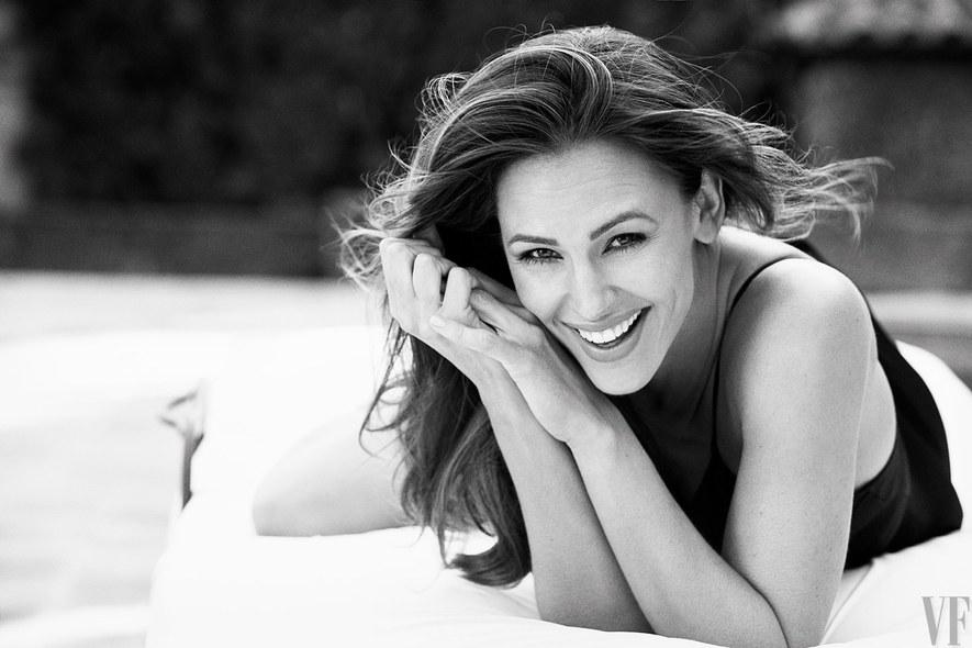 22 Jennifer Garner Hot And Sexy Bikini Pics
