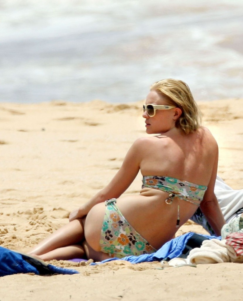 Bathing Beauty Kate Bosworth Sizzles In Bikinis As She Cools Off On Hawaiian Vacation