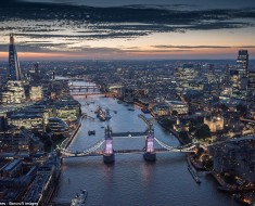 nning Photographs Of London