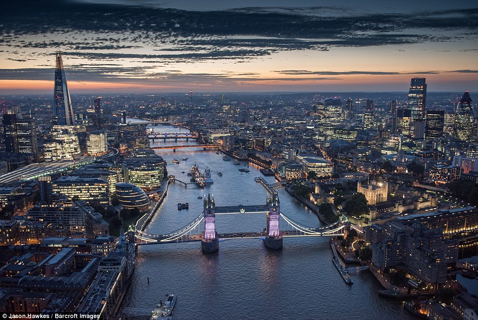 Stunning Photographs Of London Like You've Never Seen It