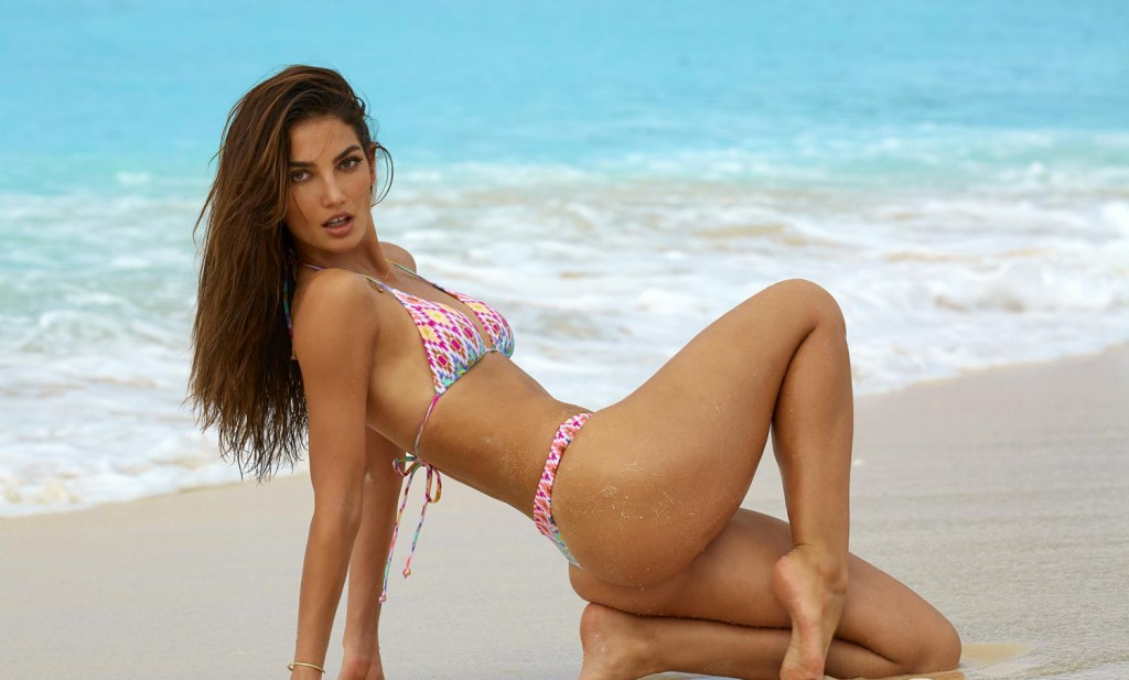 Lily Aldridge Shows Off Her Beautifully Bronzed Body In A Tiny Pink Bikini