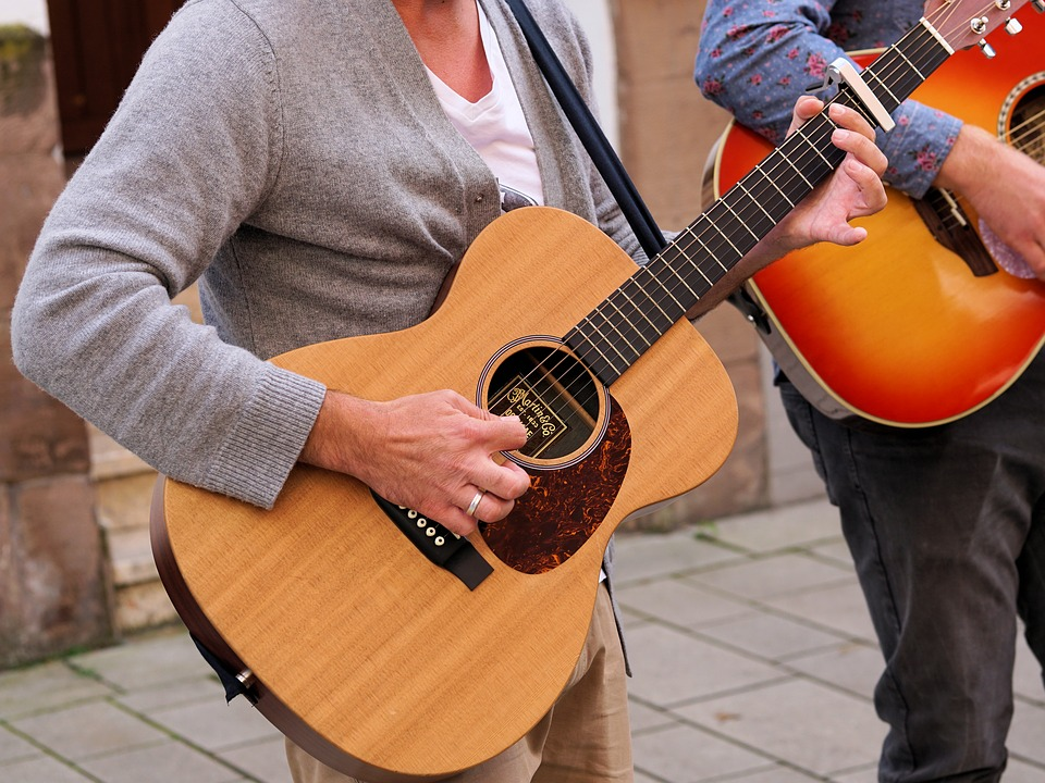 Your First Acoustic Guitar -4