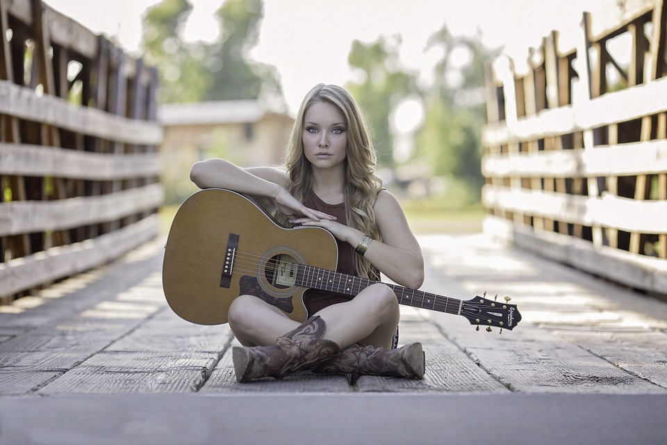 Your First Acoustic Guitar -5