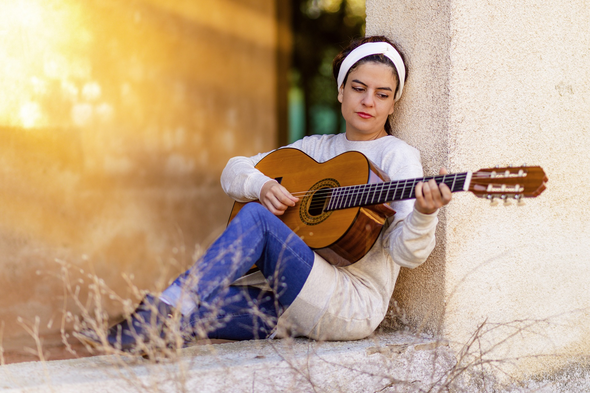 Your First Acoustic Guitar -7