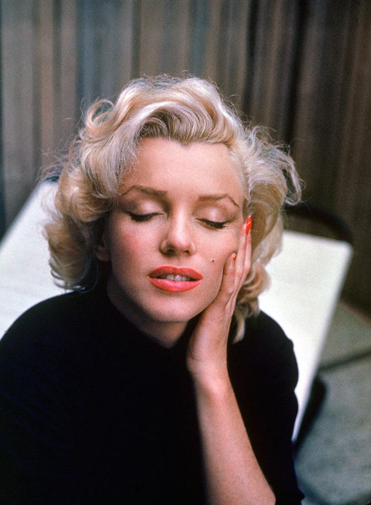 Marilyn Monroe at home, 1953.