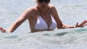 Anna Faris In Bikini