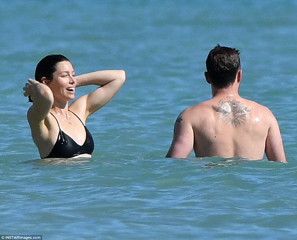 Jessica Biel Show Off Her Toned Figure In Skimpy String Bikini While On Holiday