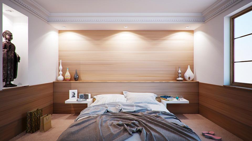 Decorating Bachelor Room