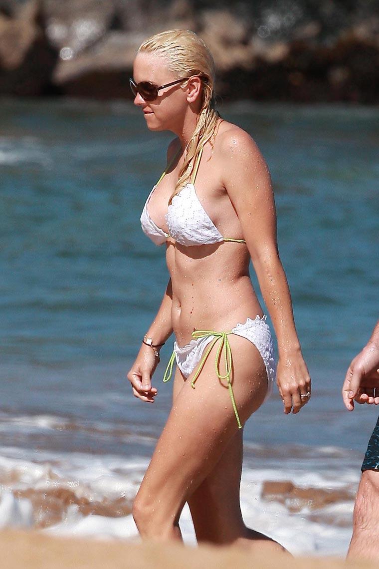 anna faris in a bikini
