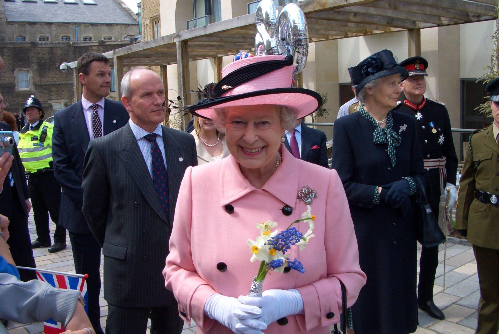 Queen Elizabeth II-V34