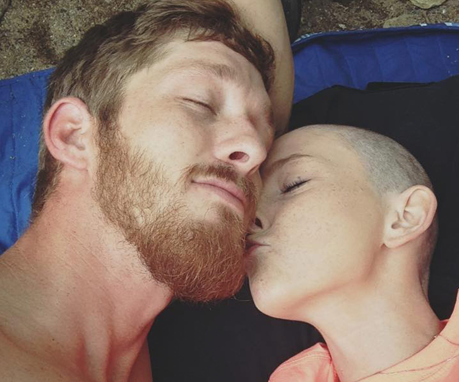 Girlfriend With Terminal Cancer Marries Longtime Boyfriend -V7