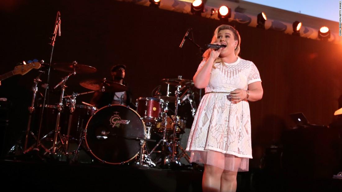 Singer Kelly