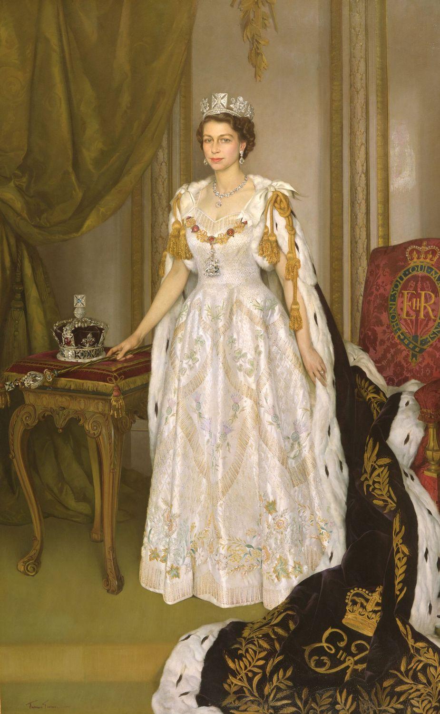 Queen Elizabeth II-V56