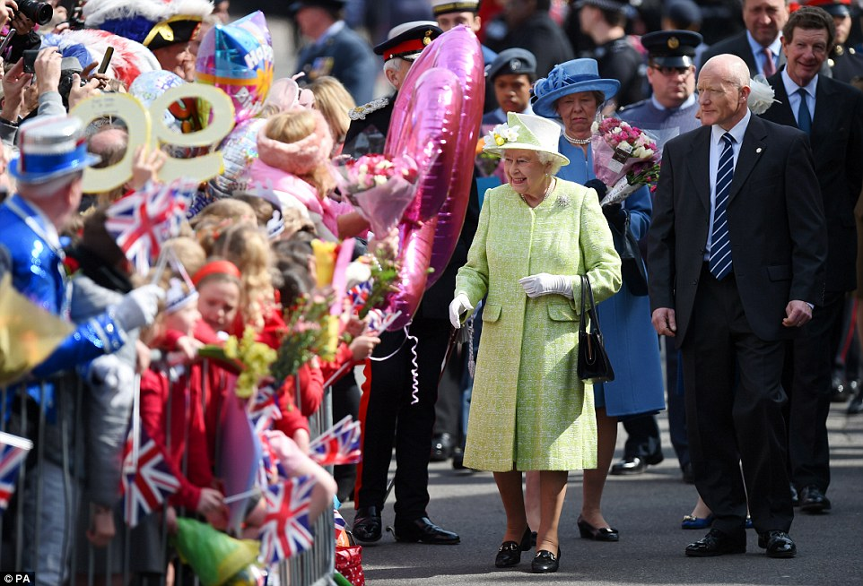 Queen Elizabeth II-V45