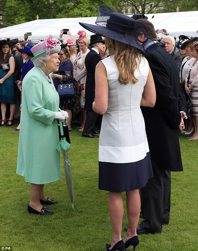 Elizabeth II-V20