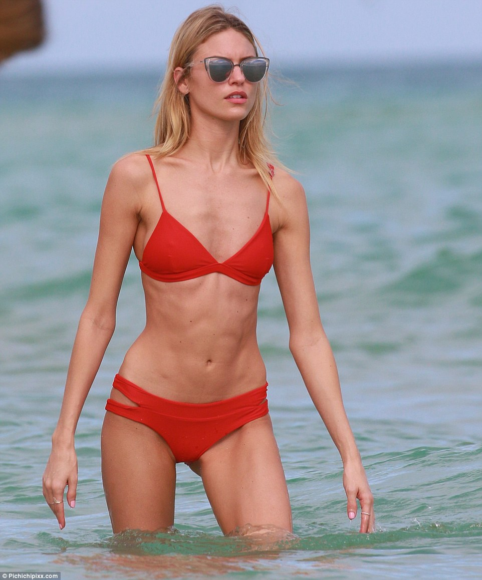 martha hunt hot