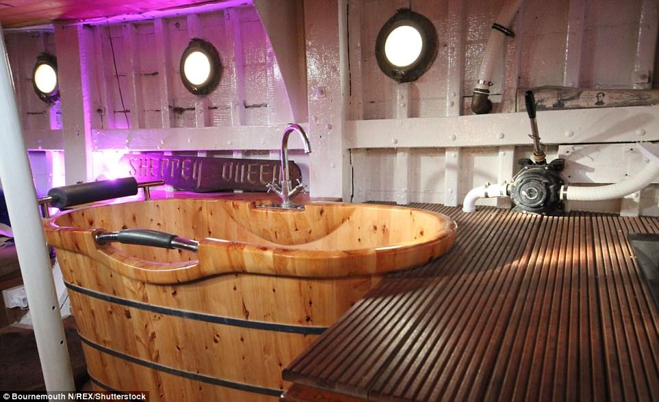 house boat in alleppy
