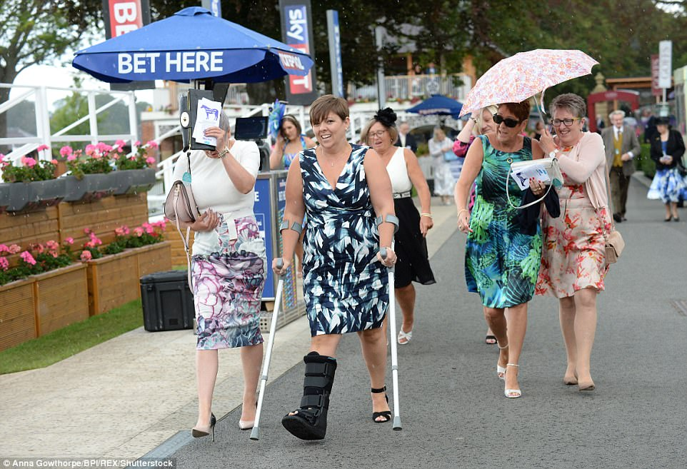 dresses for race day