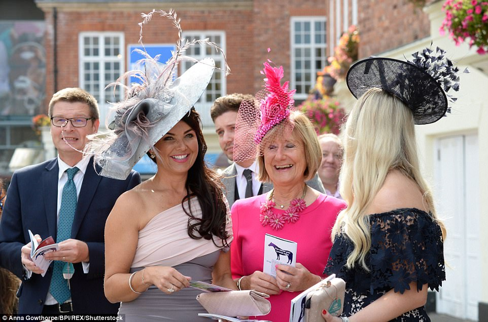 ladies day dresses for races