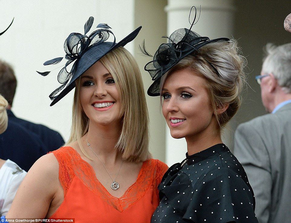 ladies day outfits