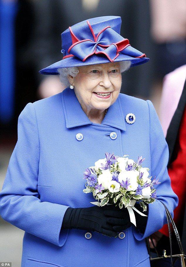 Queen Elizabeth II-V64