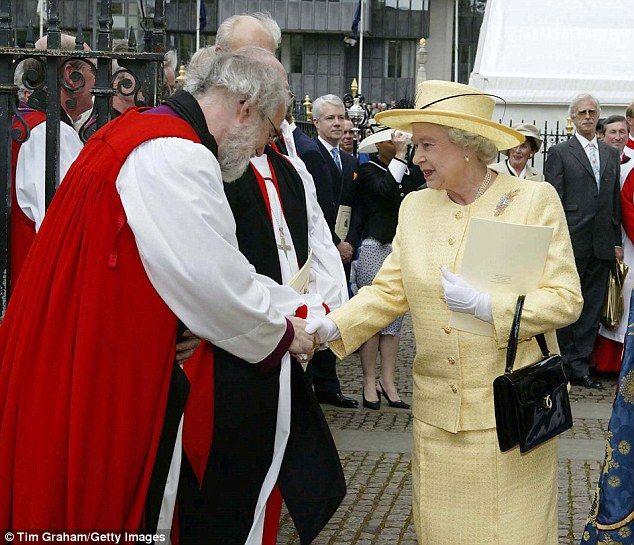 Elizabeth II-V15