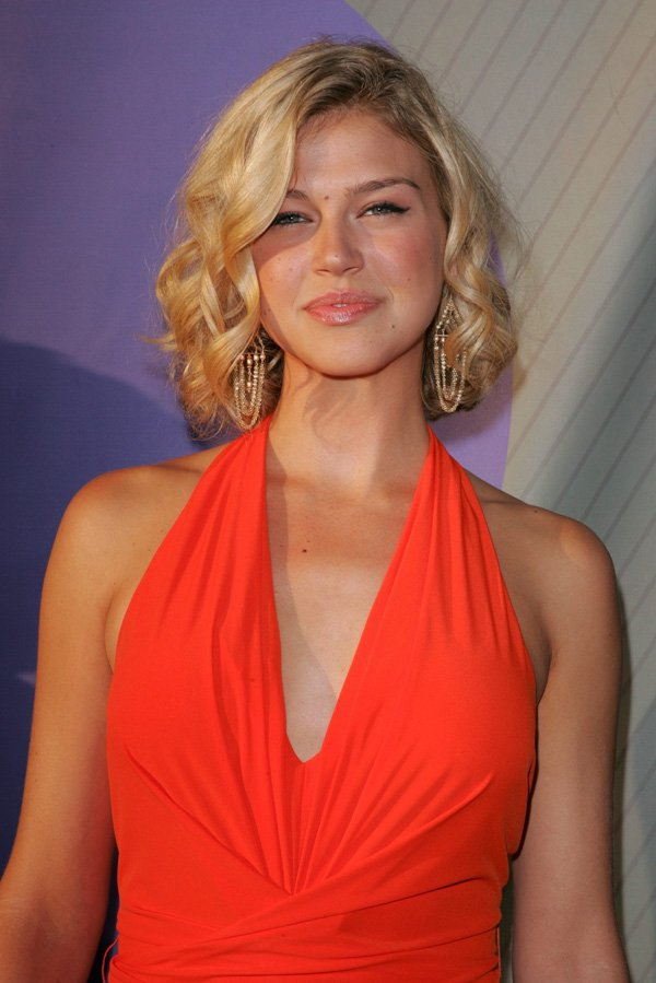 wonder woman adrianne palicki