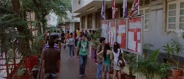 HR College Of Commerce – Wake Up Sid