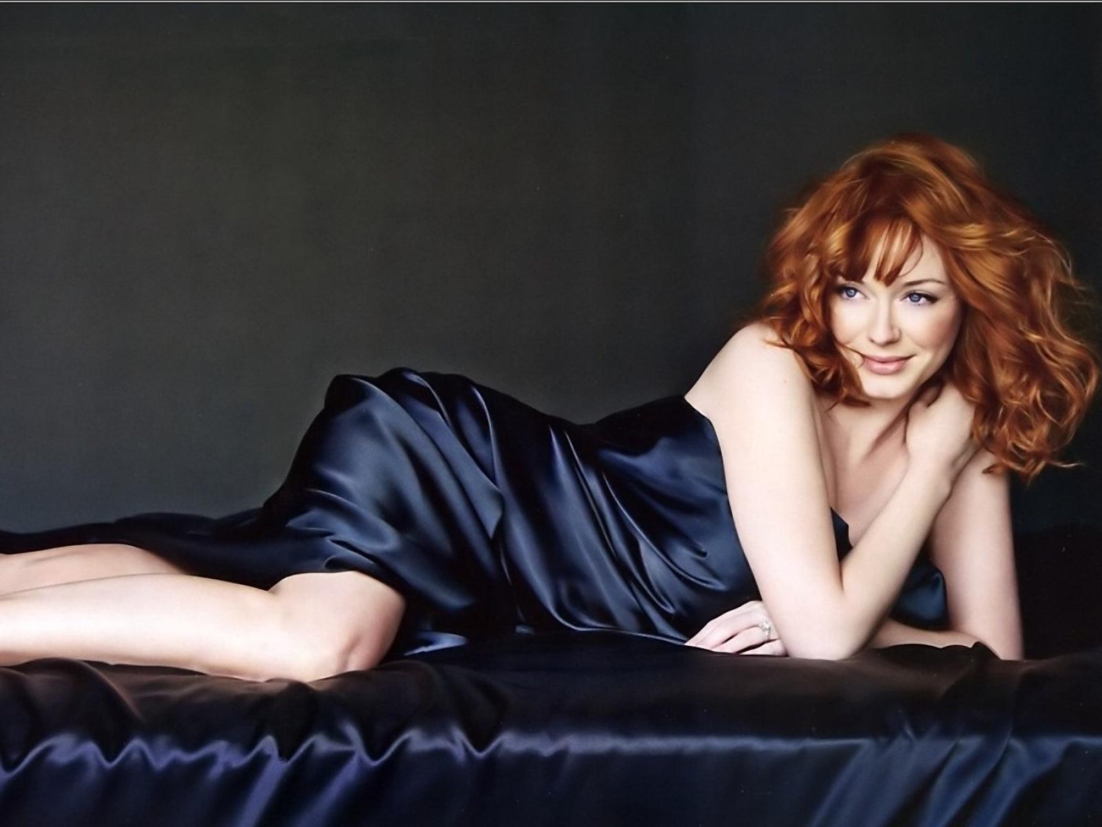 25 The Best Of Christina Hendricks Sexy Images