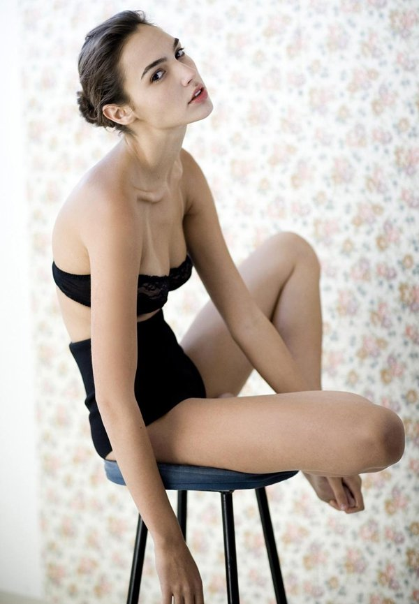 Gal godot hot photos on the web of wonder woman gal gadot bikini pictures voltagebd Choice Image