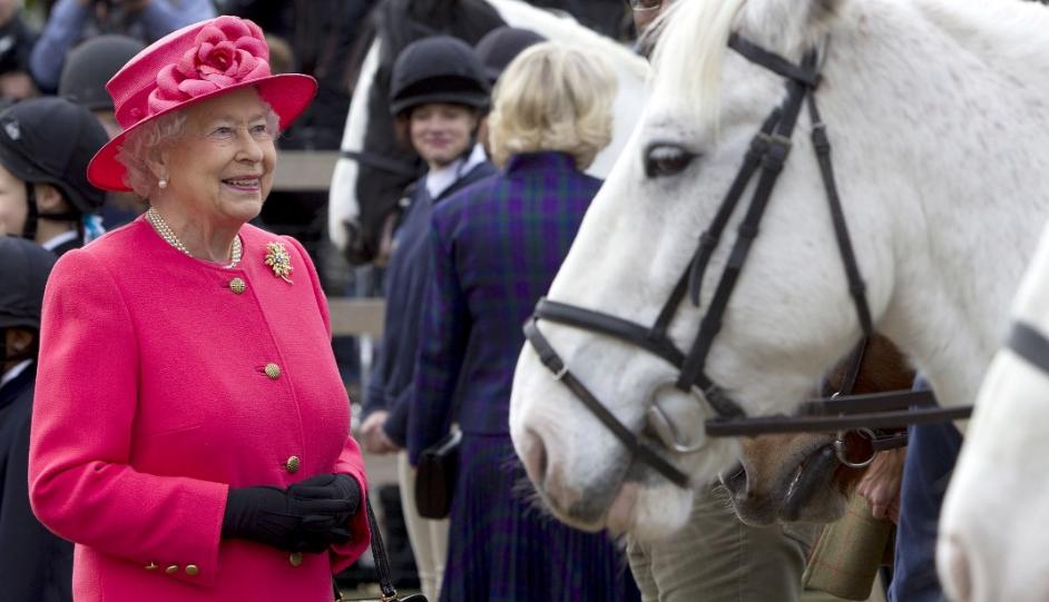 Queen Elizabeth II-V49