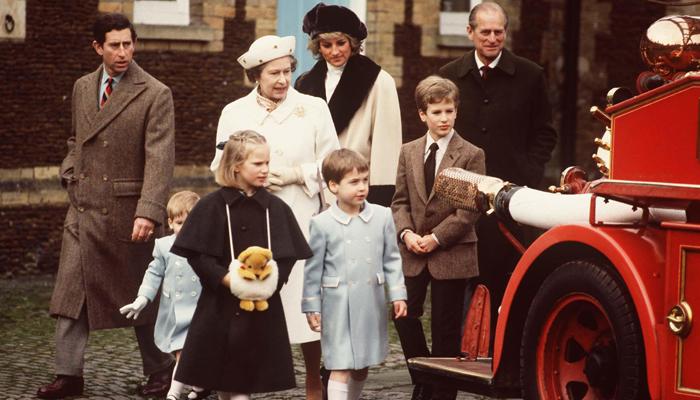 Elizabeth II-V10