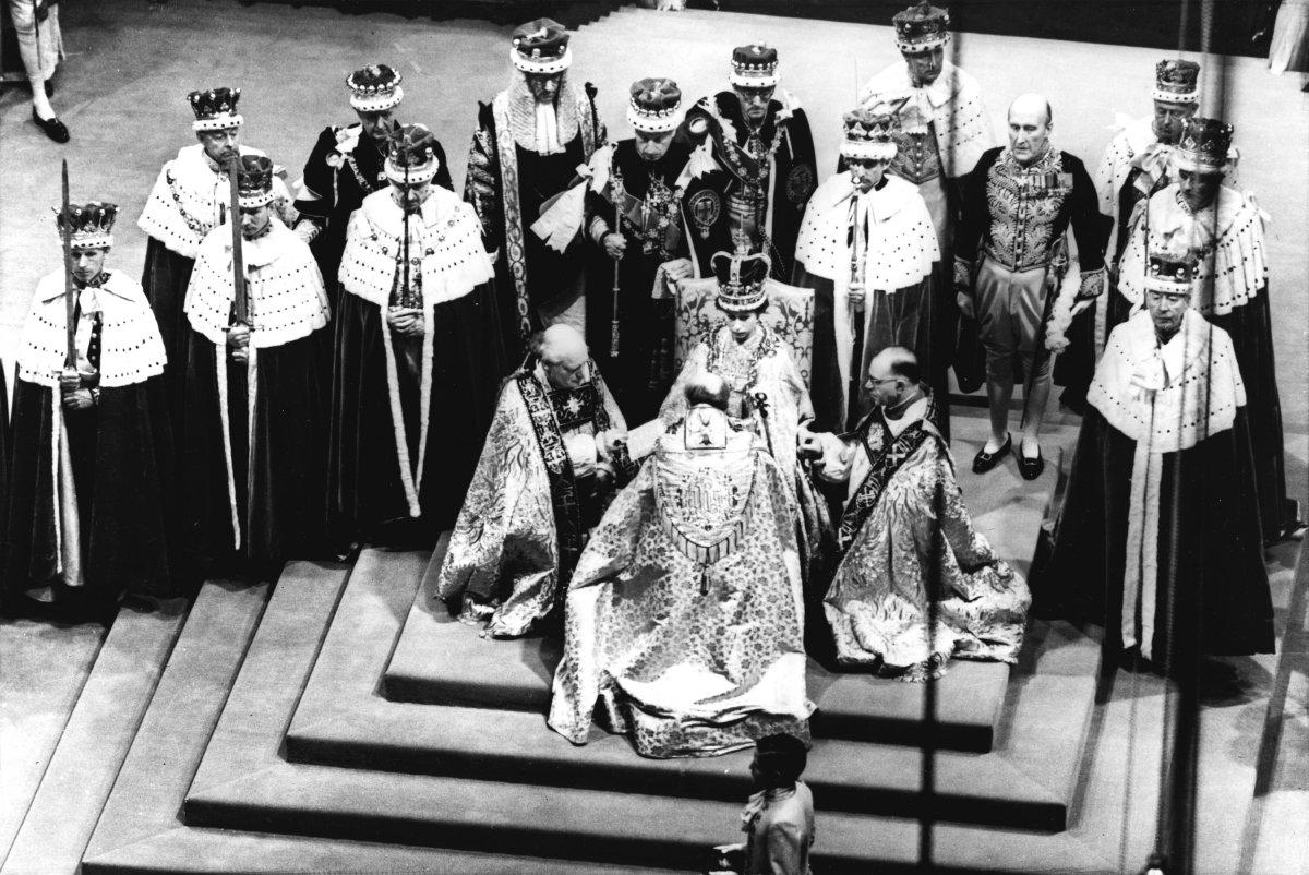 Elizabeth II-V30